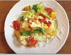 香草ドレッシングの野菜サラダ