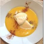 かぼちゃとマンゴーのデザートスープ バニラアイス添え