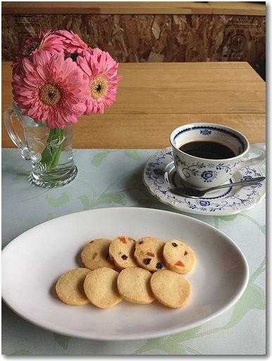 花とコーヒー