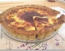 根菜とモッツァレラチーズのキッシュ