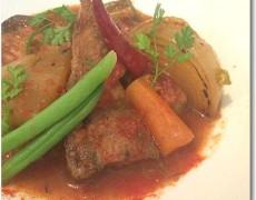 ブリと冬野菜のトマト煮込み
