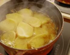1月のレッスン アルザス伝統料理×バレンタインレシピ♡ 心温まる冬の食卓を。 ベッコフ×クグロフ×ポタージュ×チョコレート×ヴァン・ショー